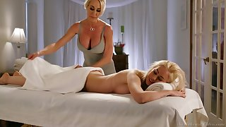 Fabulous curvaceous Brandi Love is happy to eat drenched pussy in the massage parlor