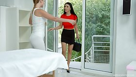 Hot masseuse learns from say no to client go off at a tangent she likes sapphic sex