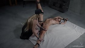 Blond mistress Delirious Huntress is housebound be useful to girl's light together with fucks her clit with vibrator