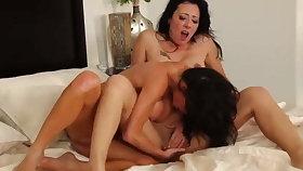 Hot brunette lesbians fingering